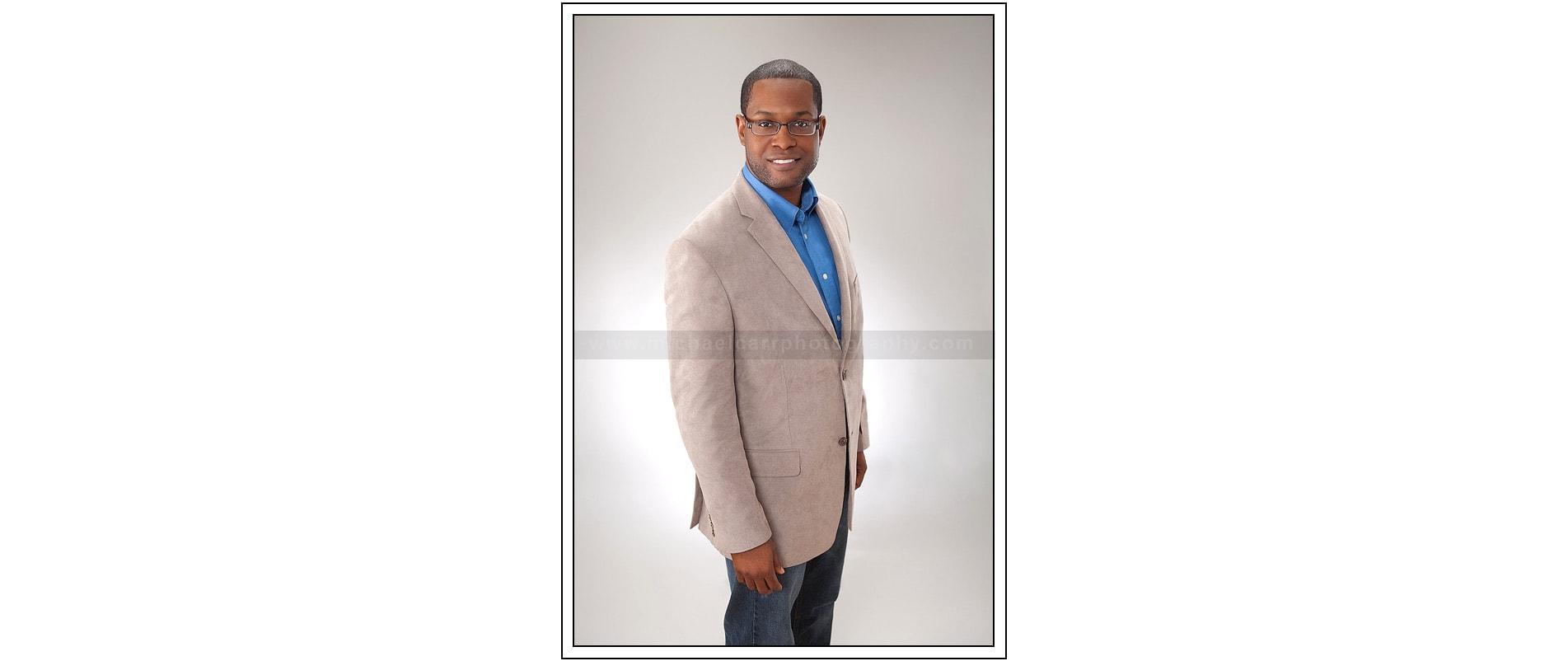 3/4 Casual Business Portrait